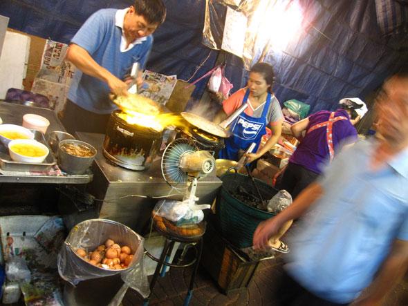 Frying Noodles in Yaowarat