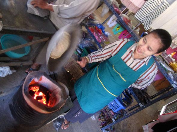 Making Roti Ong
