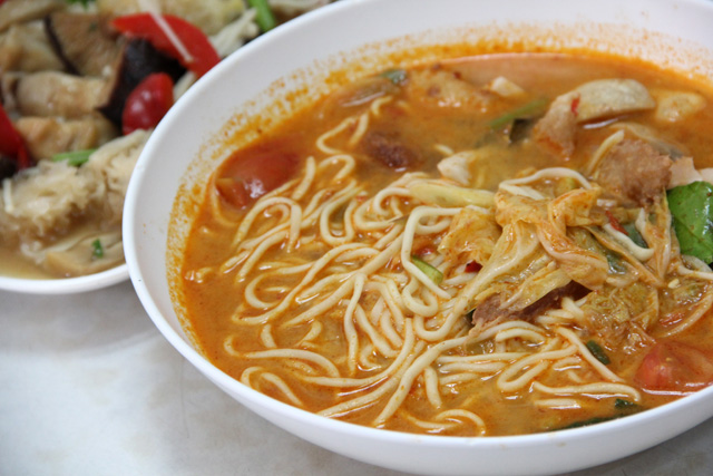 Su Ki Jeh Ru Yi Restaurant: Bangkok's Senior Vegetarian Hang-Out