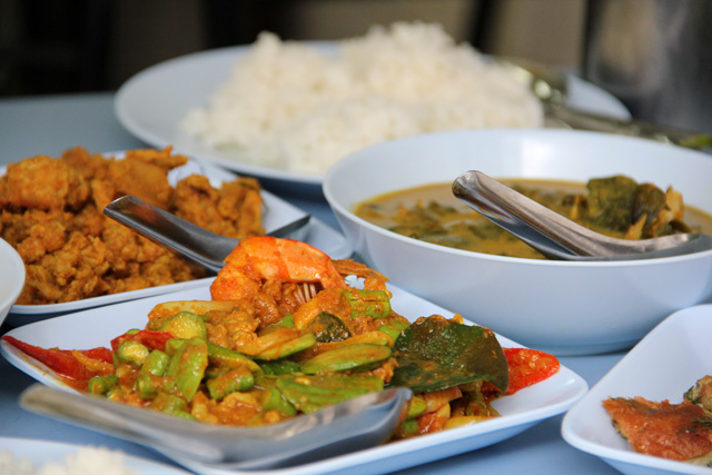 Serious Southern Thai Food: Feeding the Addiction at Lan Luam Dtai Restaurant