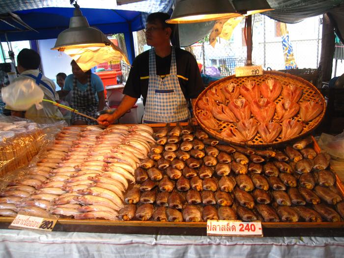 Impressive amount of Thai food at Don Wai Market!