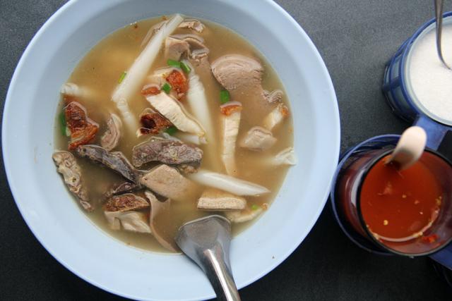 Thai Noodle Rolls - Kuay Jab Nam Sai