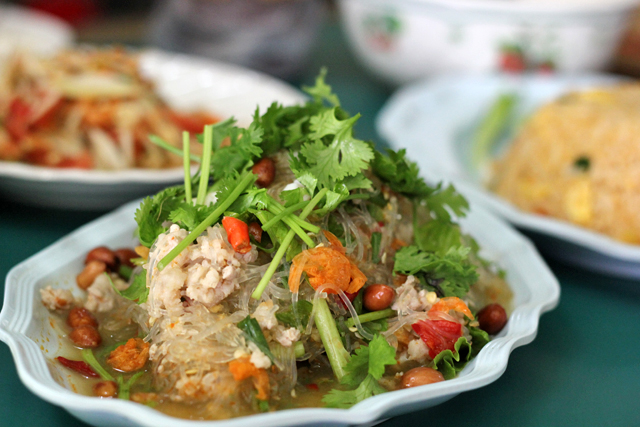 mungbean noodle salad (yam woon sen ยำวุ้นเส้น)