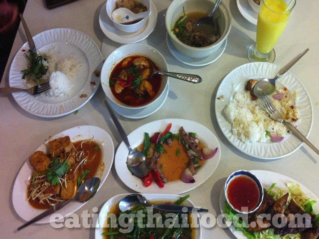 Dish It Usman Halal Thai Food On Sukhumvit 22
