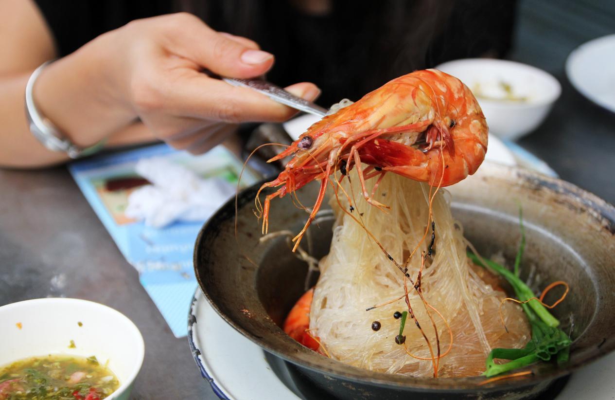 If You're a Thai Seafood Lover – Heavenly Somsak Boo Op (สมศักดิ์ ปูอบ) Street Stall