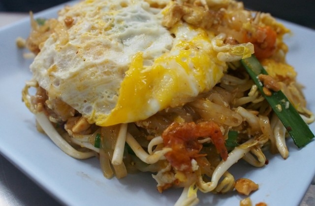 beautiful egg capped pad thai with shrimp