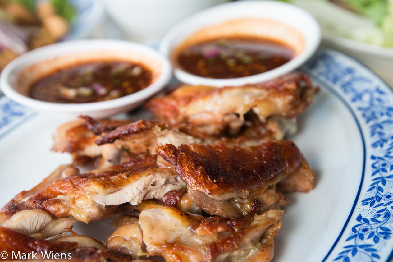 ไก่ย่างกลางบึง gai yang klang bueng Isan Food at Gai Yang Klang Bueng (ไก่ย่างกลางบึง) in Bangkok