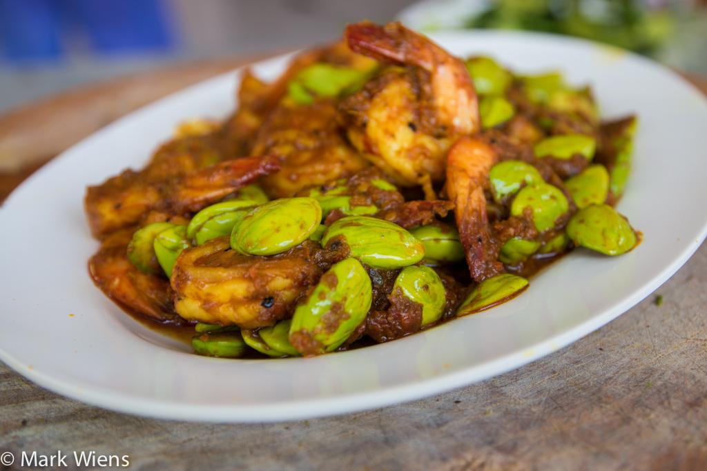 Thai Stink Beans with Shrimp Recipe (วิธีทำ กุ้งผัดสะตอ)