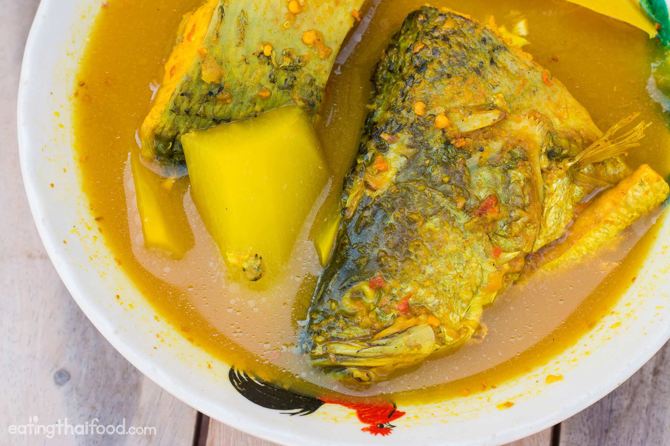 Southern thai gaeng som recipe sour spicy fish curry for Thai fish recipe