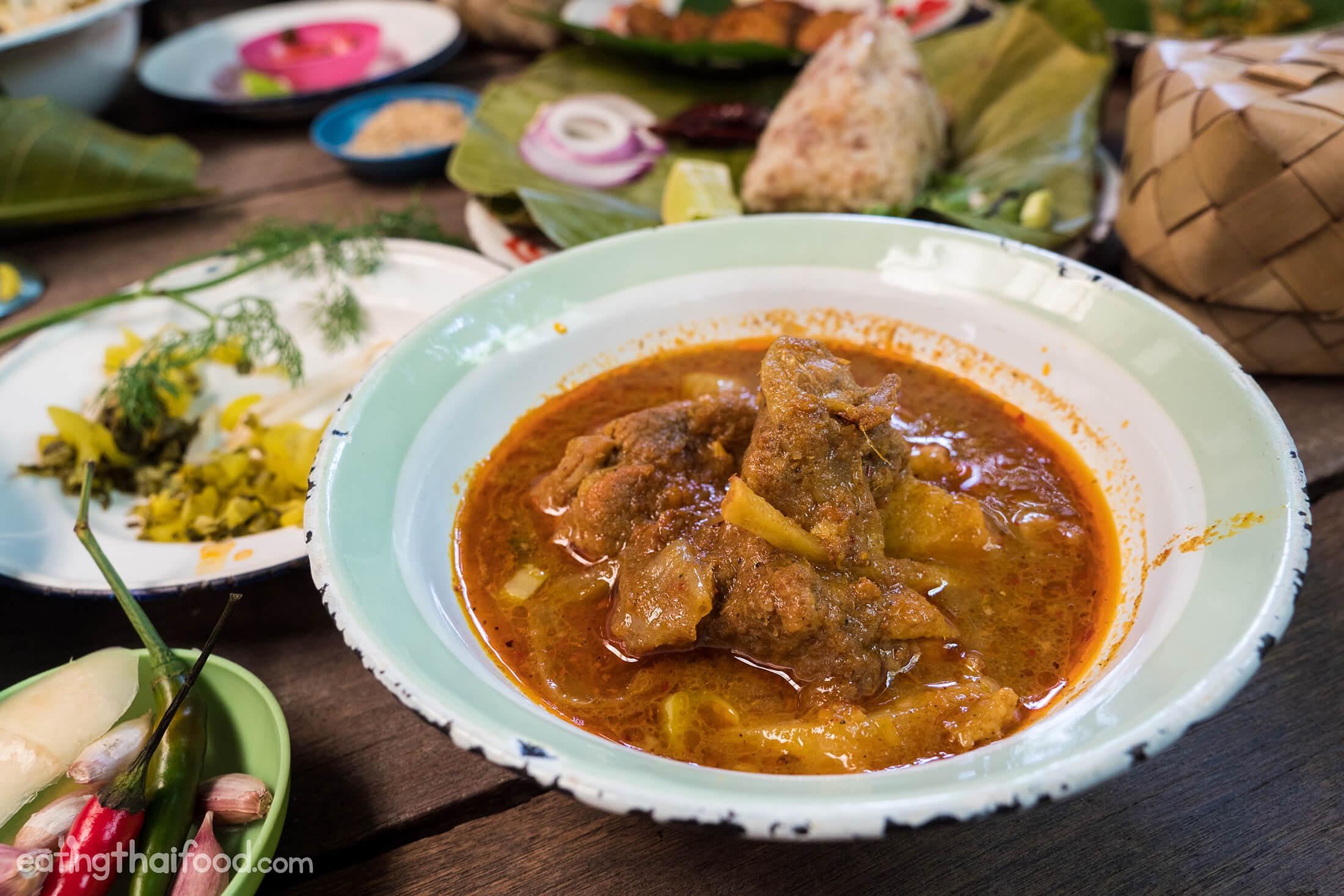 Superb northern thai food in bangkok man muang for Cuisine bangkok