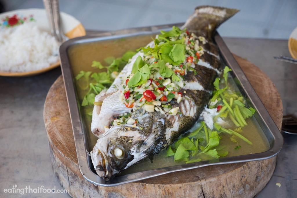 Steamed Fish With Lime and Garlic Recipe (ปลากะพงนึ่งมะนาว)