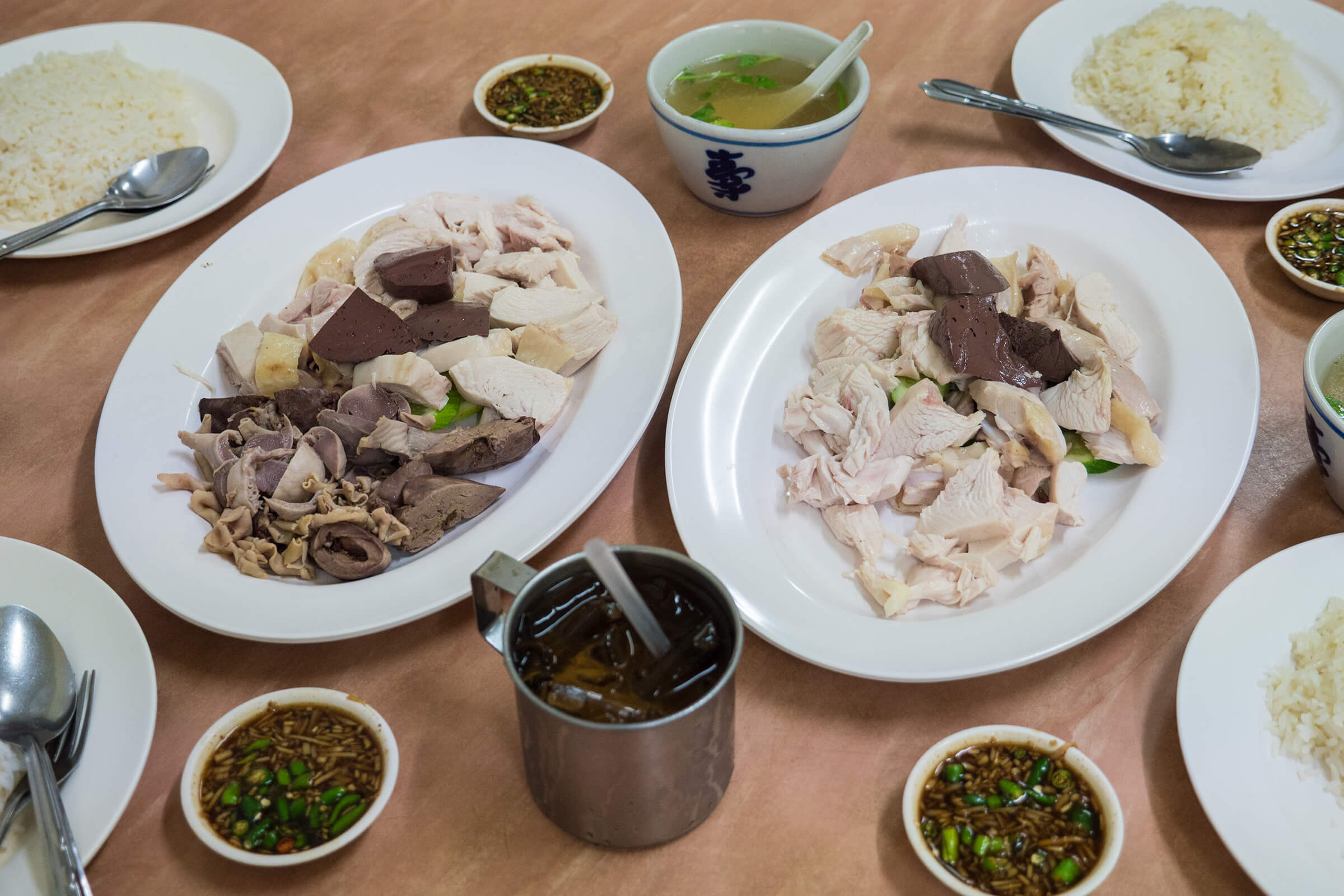 Plump and Juicy Chicken Rice at Khao Man Gai Jae Yee (ข้าวมันไก่เจ๊ยี)
