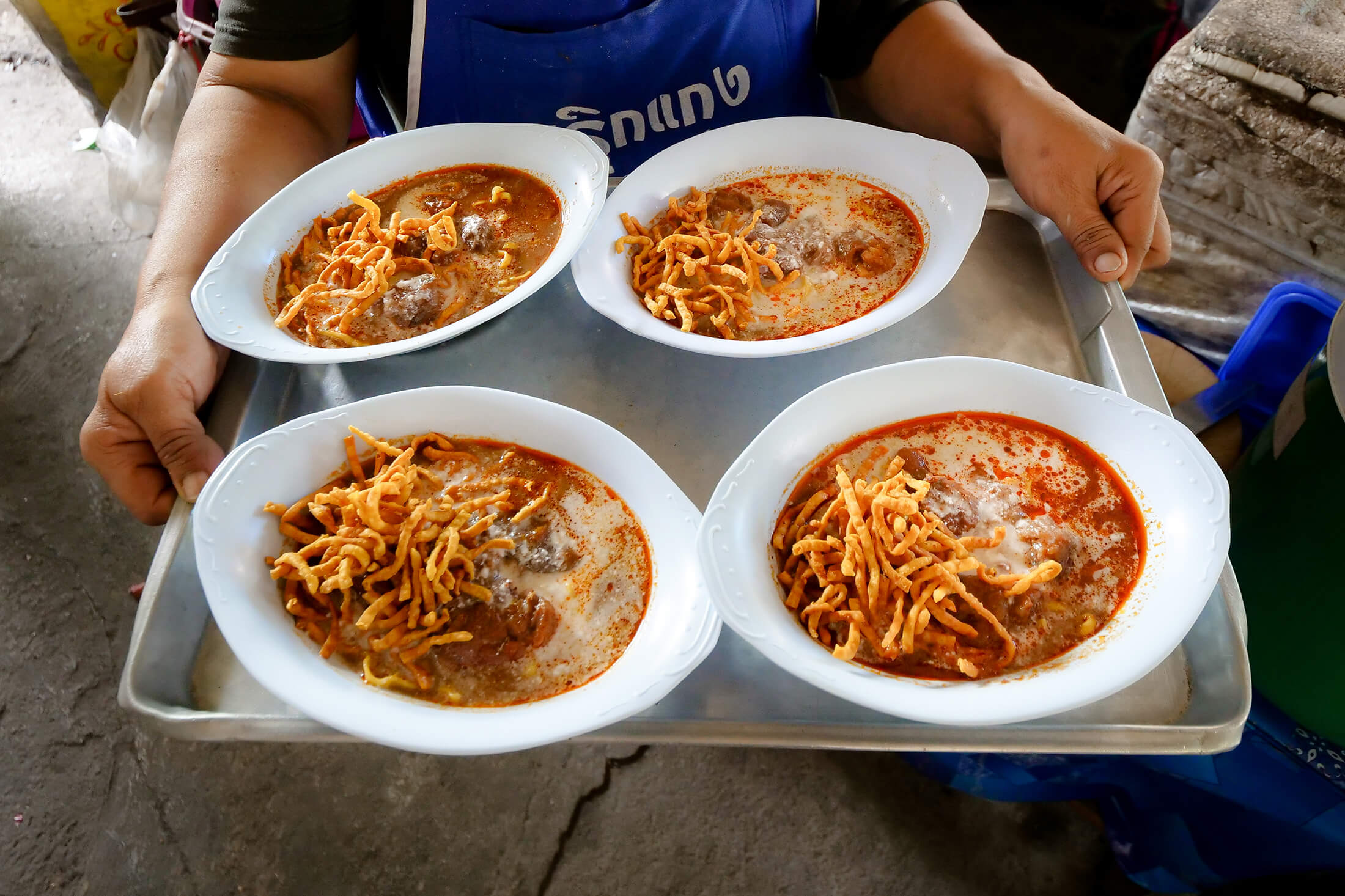 Khao Soi Mae Manee – Most Delicious Curry Noodles in Chiang Mai (ข้าวซอยเเม่มฌี)