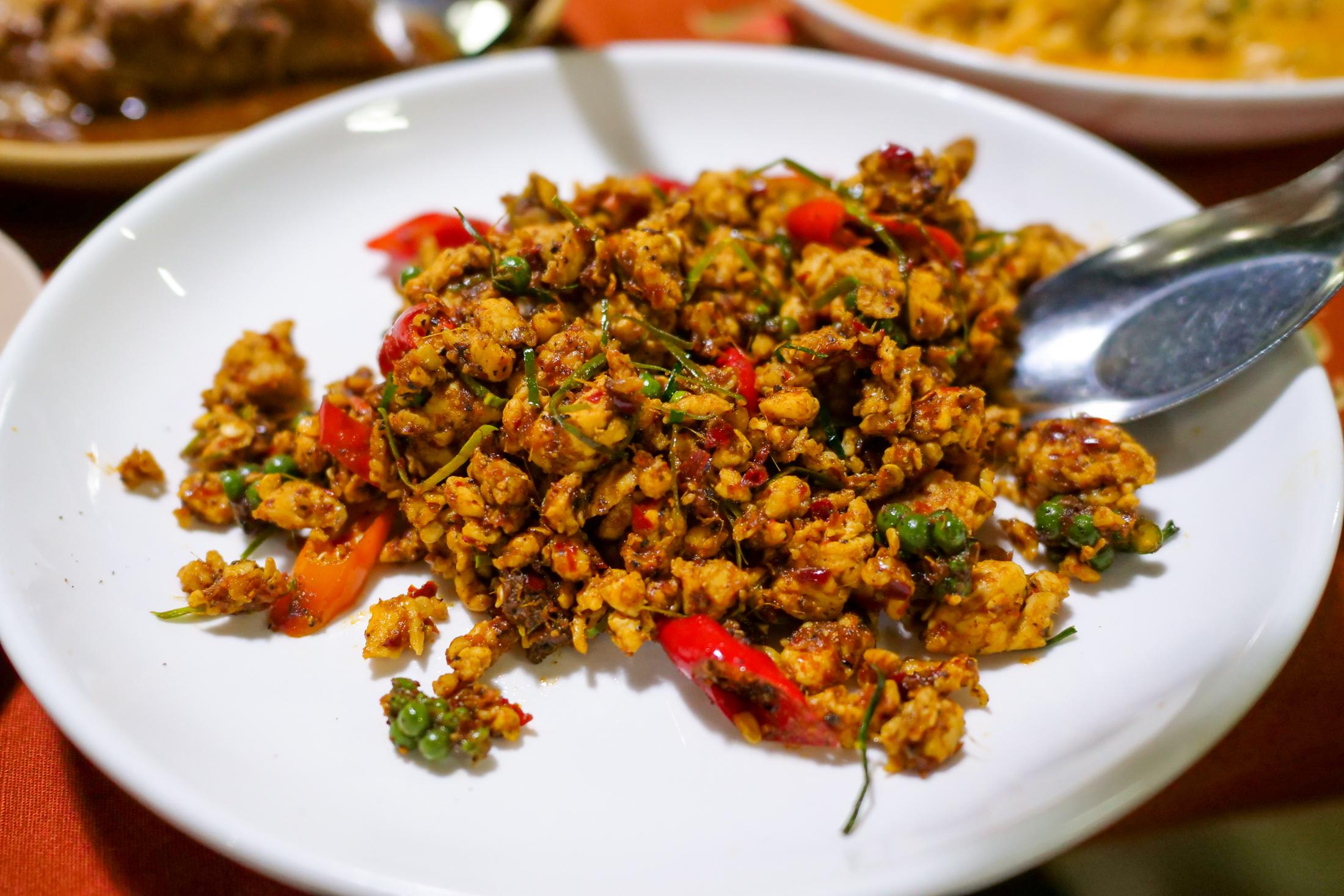 Nam Yoi Restaurant (ร้านอาหารน้ำย้อย)