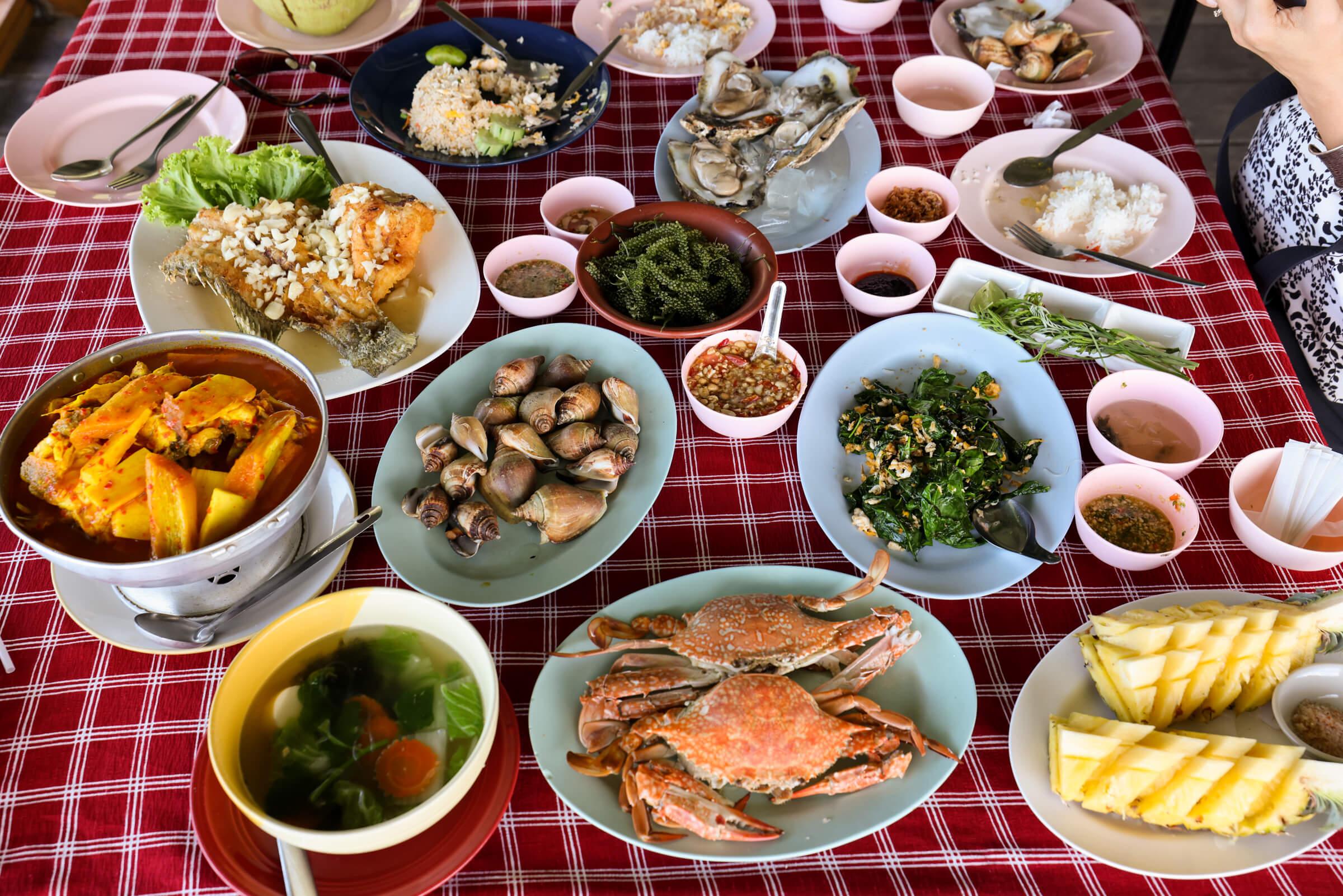 Laem Sai Seafood (แหลมทรายซีฟู้ดส์)